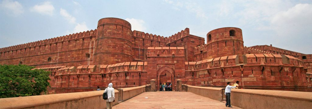 Top 5 Places to Visit in Agra
